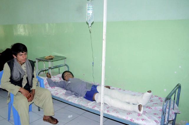 Un adolescent blessé lors du mariage ayant tourné... (PHOTO JAWED BASHARAT, AP)