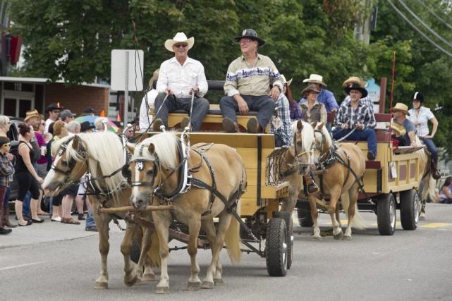La parade de chevaux du festival a été...