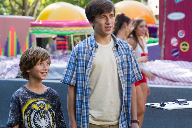 Steele Stebbins (Kevin) et Skyler Gisondo  (James).... (PHOTO FOURNIE PAR WARNER BROS.)