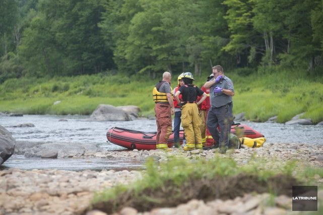 L'identité de la personne décédée dans la rivière Saint-François dimanche... (Imacom, Julien Chamberland)