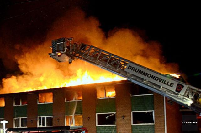 La vie continue pour les sinistrés de l'incendie de Drummondville qui ont tous... (Archives La Tribune)