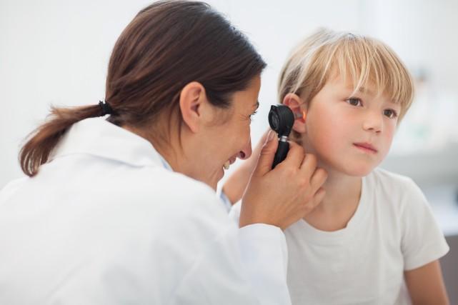 La formation de sécrétions dans l'oreille moyenne affecte... (Photo Shutterstock, wavebreakmedia)