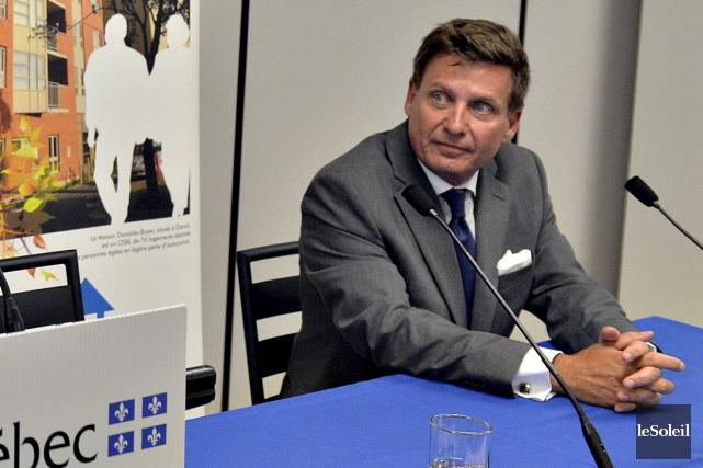 Le ministre des Affaires municipales, Pierre Moreau.... (Le Soleil, Pascal Ratthé)