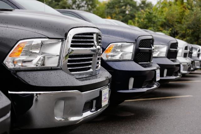 Les véhicules défectueux, notamment des camionnettes Dodge Ram,... (Photo Charles Krupa, AP)