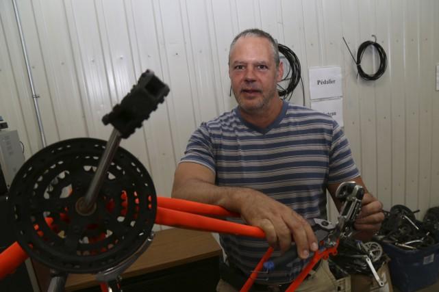 «Notre but, c'est de recycler des vélos et... (Photo Janick Marois)