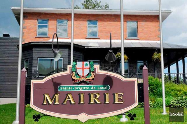 L'hôtel de ville de Sainte-Brigitte-de-Laval... (Photothèque Le Soleil, Erick Labbé)