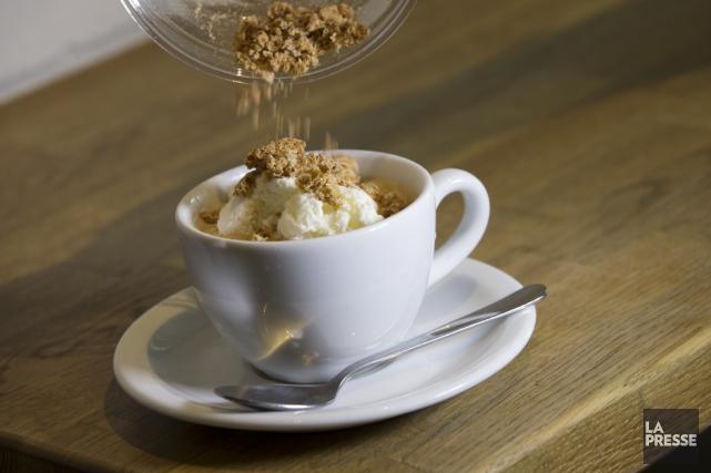 Le café affogato de Jordan Myall, de Cafellini.... (PHOTO IVANOH DEMERS, LA PRESSE)