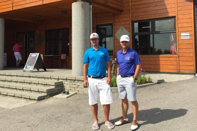 Le directeur golf Jonathan Lambert et le directeur... ((Courtoisie))