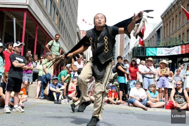 L'édition 2014 du Buskerfest avait séduit quelque 200... (Archives, LeDroit)