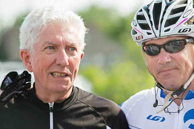 Prenant part à une tournée cycliste pré-électorale, le... (La Presse Canadienne, Graham Hugues)