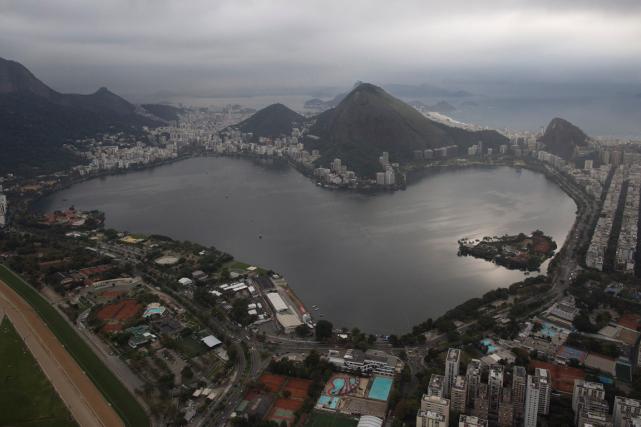 Une analyse de la qualité de l'eau effectuée... (Photo Leo Correa, AP)