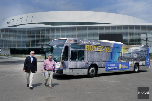 Un autobus du RTC a été décoré aux... (Le Soleil, Jean-Marie Villeneuve)