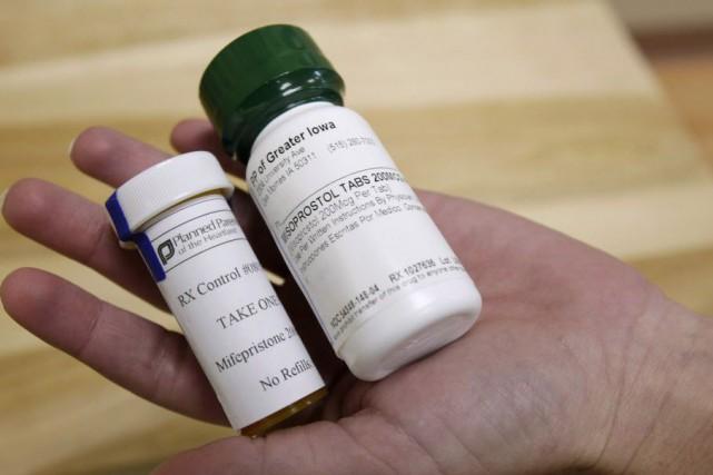 La pilule abortive sera offerte gratuitement aux femmes... (PHOTO ARCHIVES AP)