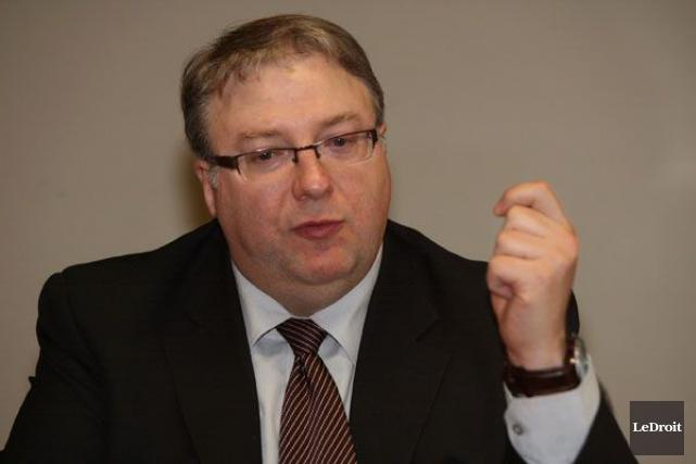 Le commissaire François Boileau soutient que la structure... (Archives Le Droit)
