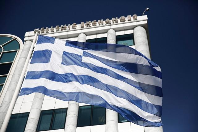 La zone euro est prête à débloquer les 2 milliards d'euros promis à la Grèce en... (PHOTO PETROS GIANNAKOURIS, ARCHIVES AP)