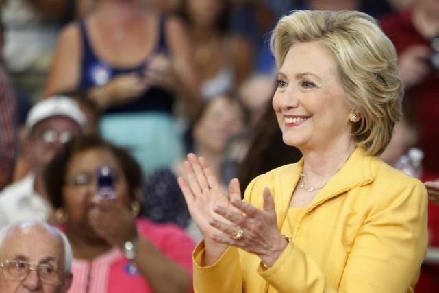 La candidate à l'investitude démocrate Hillary Rodham Clinton... (Photo Jim Cole, archives AP)