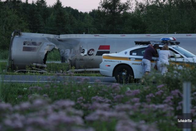 La dépouille d'une personne a été retrouvée dans... (PHOTO CATHERINE TRUDEAU, LA VOIX DE L'EST)
