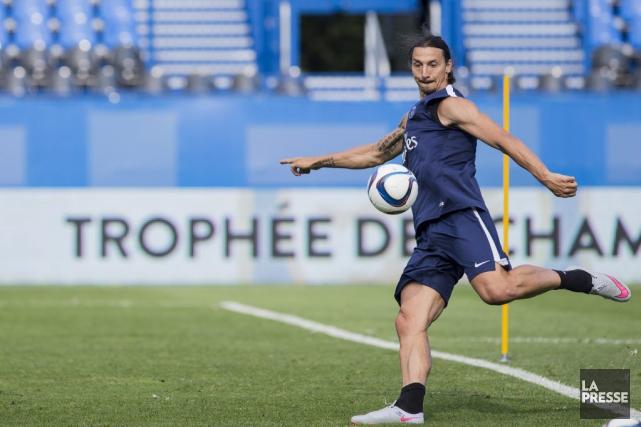 Le joueur vedette duParis Saint-Germain,Zlatan Ibrahimović, à l'entraînement... (PHOTO EDOUARD PLANTE-FRÉCHETTE, LA PRESSE)