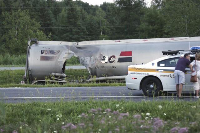 Une série de collisions impliquant un camion-citerne et... (Photo Catherine Trudeau, La Voix de l'Est)