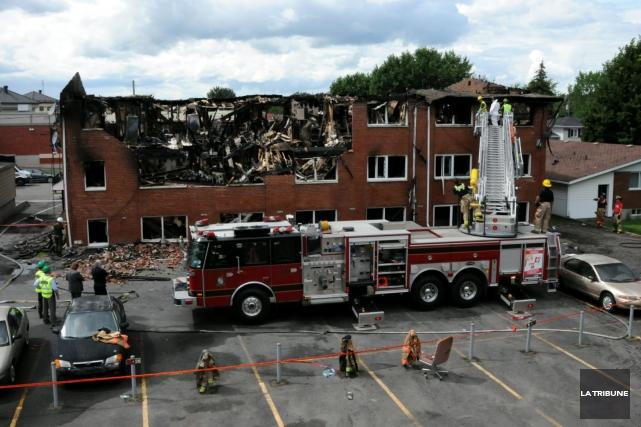 Une semaine après l'incendie mortel de la rue des Merisiers à Drummondville, la... (Archives, La Tribune)