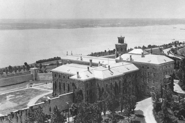 Saviez-vous que la prison de Québec sur les plaines d'Abraham, construite en... (Archives Nationales, 1930)