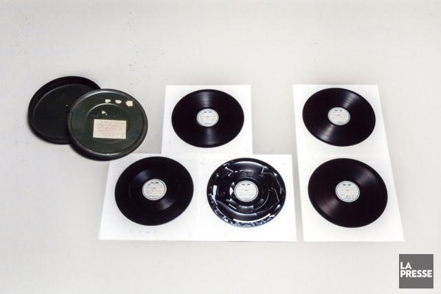 Voici les enregistrements vinyles du discours de reddition... (Photo Maison impériale du Japon, AFP)