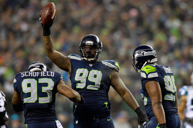 En libérant Tony McDaniel (99), les Seahawks sauveront... (PHOTO STEVEN BISIG, ARCHIVES USA TODAY)