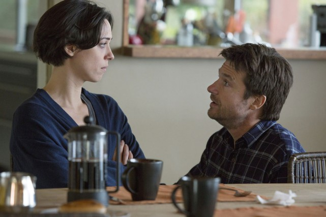 Un couple (Rebecca Hall, Jason Bateman) semble filer... (PHOTO FOURNIE PAR TX PRODUCTIONS LLC)