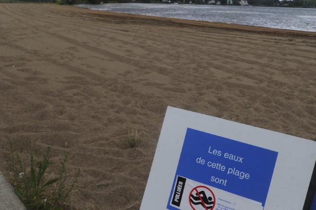 La baignade est interdite jusqu'à nouvel ordreau Camping... (Sylvain Mayer, Archives)