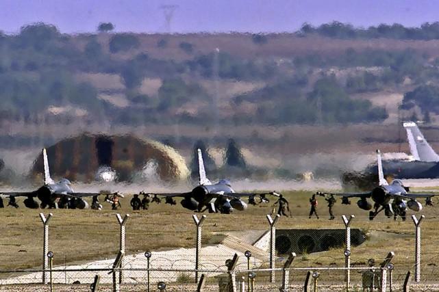 Des avions américains postés en Turquie, qui a... (Photo archives AFP)