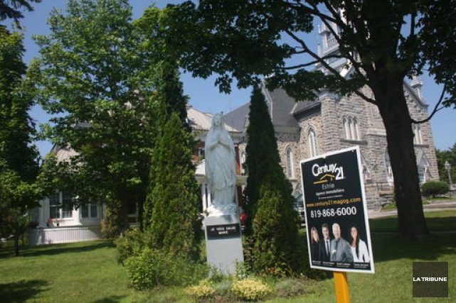 La décision de vendre le presbytère déçoit l'ancien président du conseil de... (La Tribune, Jean-François Gagnon)