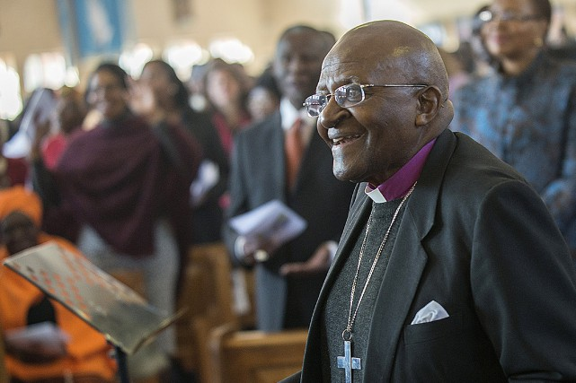 Desmond Tutu... (PHOTO MUJAHID SAFODIEN, ARCHIVES AFP)
