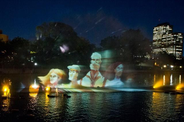 Plusieurs étaient emballés par le spectacle aquatique multimédia Agwàtà,... (Martin Roy, LeDroit)