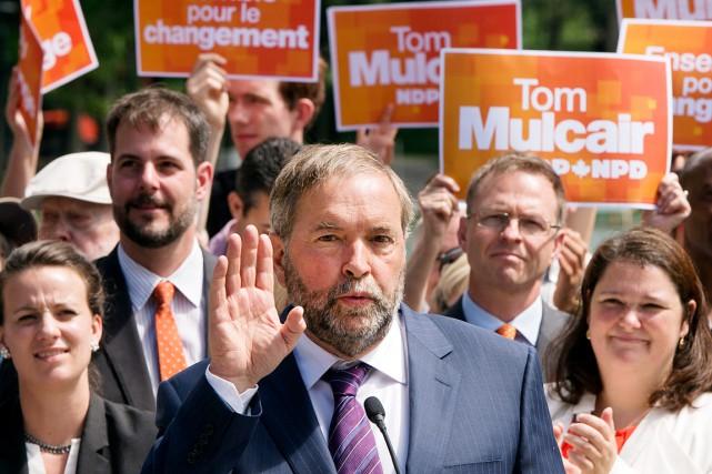 Le candidat bloquiste dans Vaudreuil-Soulange, Vincent François, et... (La Presse Canadienne, Ryan Remiorz)