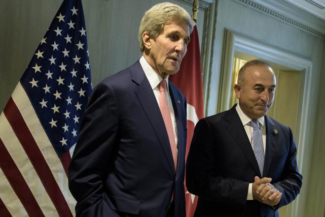 Les États-Unis encouragent depuis longtemps la Turquie, allié... (PHOTO AP)