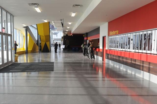 L'entretien du plancher du Centre de foires de Sherbrooke coûtera 68 536 $ de... (Archives La Tribune)