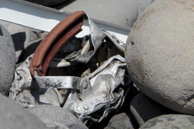 Un débris métallique retrouvé à La Réunion la... (AFP, Richard Bouhet)