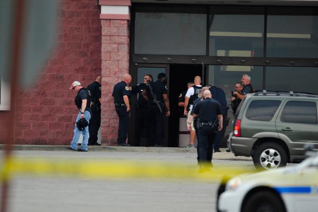 Un important dispositif policier a été déployé aux... (Photo AP)