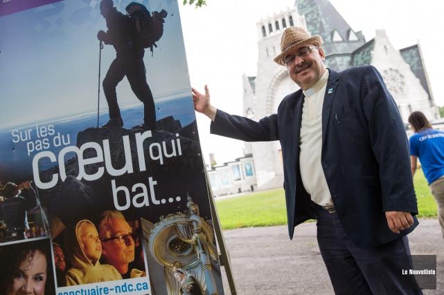 Le recteur du sanctuaire Notre-Dame-du-Camp, Yoland Ouellet, se... (Photo: Olivier Croteau Le Nouvelliste)
