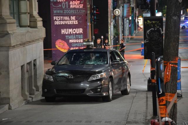 Le chauffeur de taxi a percuté deux jeunes... (PHOTO SYLVAIN RYAN, COLLABORATION SPÉCIALE)