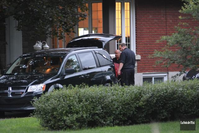 Le corps retrouvé jeudi après-midi dans une résidence... ((Photos Sylvain Ryan,  La Voix de l'Est))