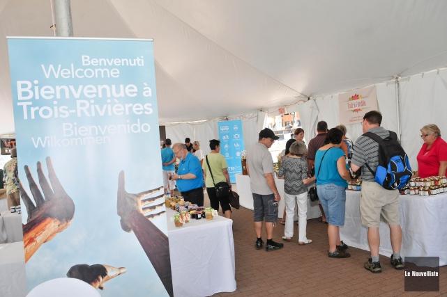 Les touristes sont nombreux en Mauricie et au... (Photo: Émilie O'Connor Le Nouvelliste)