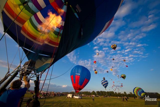 Quelque 125 ballons, dont une dizaine de formes... (PHOTO ANDRÉ PICHETTE, ARCHIVES LA PRESSE)