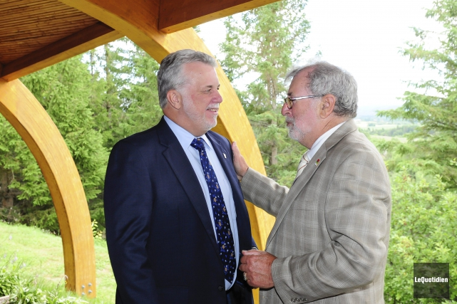 Phillipe Couillard et Lawrence Potvin ont profité de... ((Photo Le Quotidien, Gimmy Desbiens))
