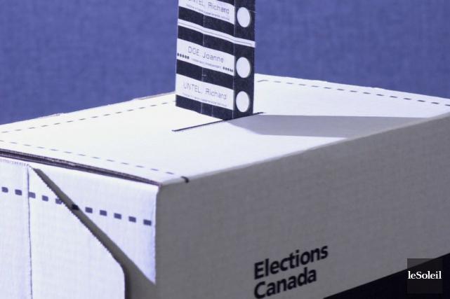 Je vais voter debout!... (Photothèque Le Soleil)