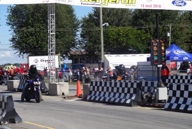 Les amateurs de grosses cylindrées et de vitesse sur courte piste ont été... (Photo: courtoisie)