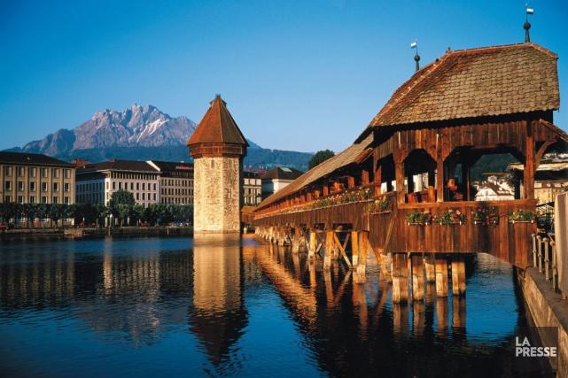 Érigé au début du XIVe siècle, le pont... (PHOTO RENAUD LORANGER, COLLABORATION SPÉCIALE LA PRESSE)