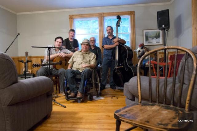 Le groupe de musique Durham Country Poet était... (Imacom, Julien Chamberland)