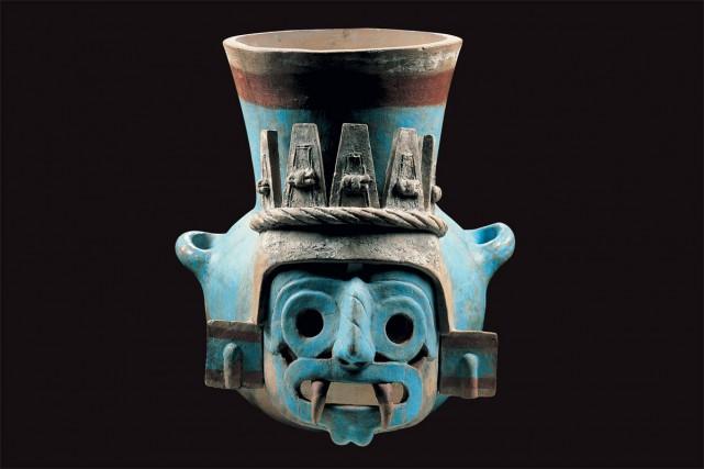 Vase représentant Tlaloc, le dieu aztèque de l'eau.... (PHOTO FOURNIE PAR LE MUSÉE POINTE-À-CALLIÈRE)