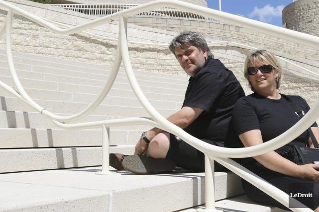 L'artificier Christopher Byl et son épouse Marie-Andrée Schollaert... (Patrick Woodbury, LeDroit)
